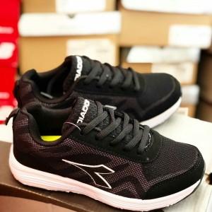 Daftar Harga Sepatu Diadora Original 50 Terbaru - Toko Semuat Hitam Info 9e5852650a