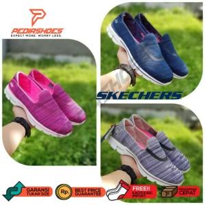 (LIMITED SALE!) Sepatu Wanita Skechers GOwalk 3 Renew
