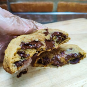 Soft Chocochip cookies Melted Chewy Lumer Kue Kering Coklat Enak