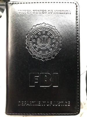 Replika dompet lencana dan ID Badge FBI