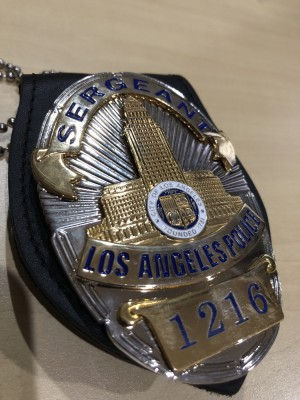 Replika lencana dan ID badge LAPD