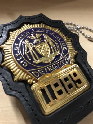 Replika lencana dan ID Badge NYPD