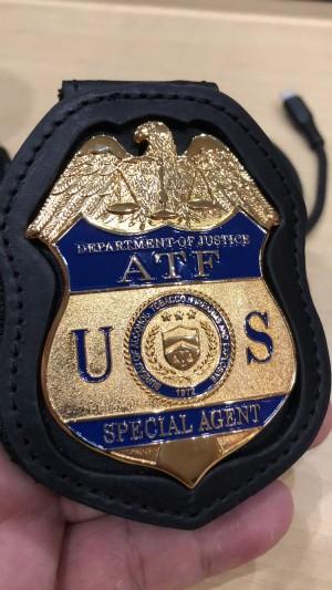 Replika lencana dan ID badge ATF