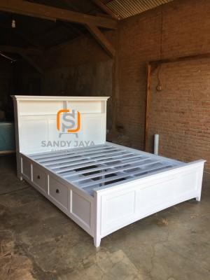 Tempat tidur minimalis 4 laci, divan laci minimalis, dipan putih