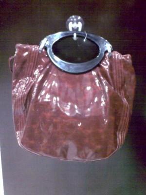 Tas Merah Kilap