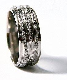 CINCIN Cord Sparkle Ring