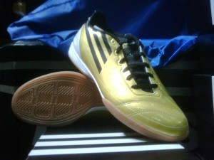 Adidas F10 gold messi