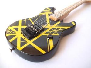 Gitar Miniatur Charvel USA EVH BLACK - YELLOW Strips