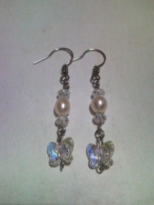 Anting Butterfly In Crystal