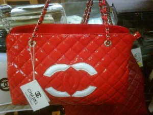 Chanel 0962 red