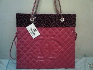 Chanel 5109 shocking pink
