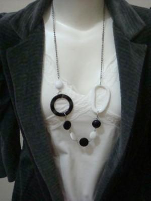 Kalung Fashion Black n white