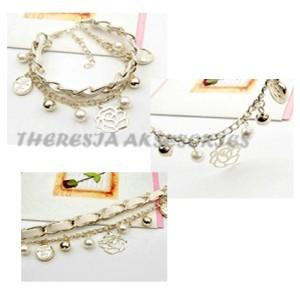 Candy Girl gold light flower bead bracelet