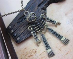 Vintage Skull Sweater Chain (Bronze)