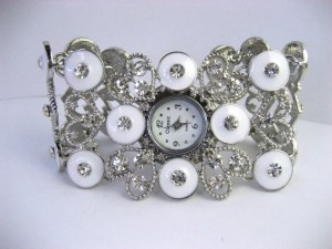 JAM TANGAN WANITA CLASSIC BATIQUE EYES