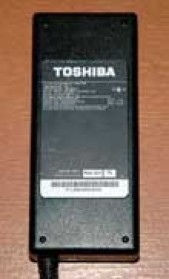 Adaptor Toshiba 15V 6A - Black