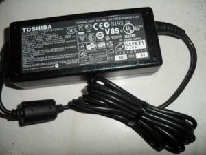 PROMO ADAPTOR ORI  TOSHIBA 19V~3.42A