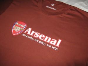 Kaos Arsenal Merah