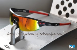 SG Oakley Radar Black Ducati Fire Polarized (C)