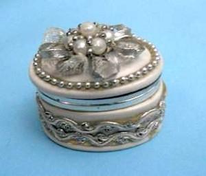 Tempat Perhiasan Keramik Mote