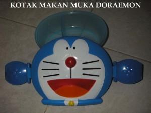 Kotak Makan Muka Doraemon
