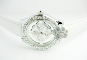 Jam Tangan Guess Flower Glass Leather (White)