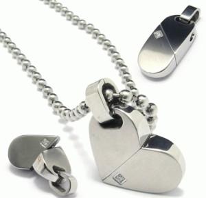 Kalung White Heart
