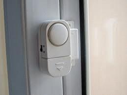 Alarm Mini Sensor Magnet Untuk Keamanan Pintu / Jendela / Laci / Brankas