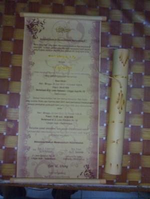 Souvenir Pernikahan Tempat Undangan Bambu dengan Kertas undanganya