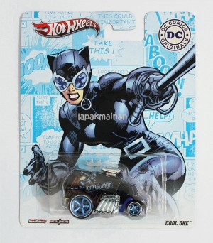 Hot Wheels Cool One Catwoman DC Comic Original MOC