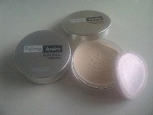 Immortal Bedak tabur Pulvus Hydro Active Powder Lightening