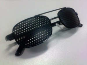 Kacamata Terapi Pinhole Glasses TP-04