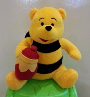Boneka Winnie The Pooh Lebah