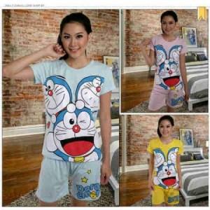 Setelan Celana Pendek Doraemon Trio Smile