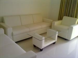 White SOfa Minimalis Purwokerto