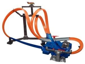 HW819Hot WheelsTriple Track Twister