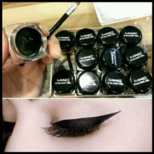MAC EYELINER GEL + KUAS BLACK