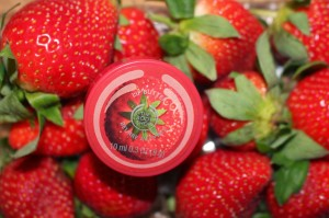 the body shop lip butter strawberry
