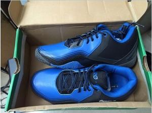 Sepatu Basket League Zero G Low (Hitam-Biru)