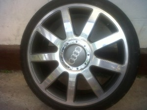 Velg R18 Audi Replika + Ban