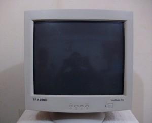 harga monitor tabung crt 17