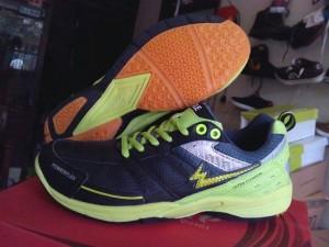 harga sepatu badminton eagle pto champion green Tokopedia.com