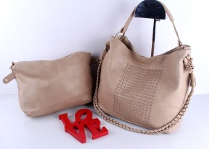 TAS VICTORIA HOBO STUDED SEMIPREMIUM
