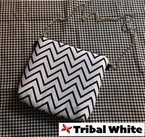 Kode mono Tribal White