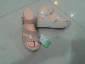 harga sepatu wedges jelly kenip terbaru Tokopedia.com