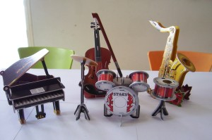 Puzzle model miniatur 3D MUSIC piano violin drum saxophone musik biola