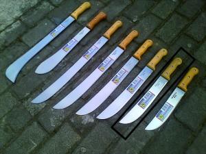 Tramontina / Golok Tebas 12 INCH BRAZIL gagang kayu (KOTAK/LATIN)