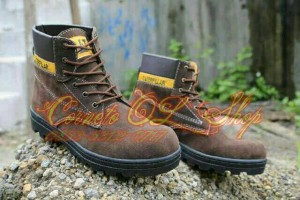 Sepatu Boots Caterpillar Adventure Casual Trendy