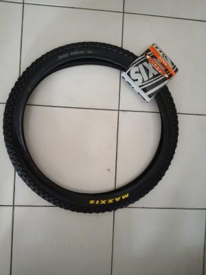 harga BAN LUAR MAXXIS HOLY ROLLER BMX 20 X 1.95 Tokopedia.com