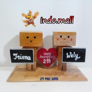 Boneka Kayu Danbo Kado Valentine Couple Anniversary Birthday Romantis